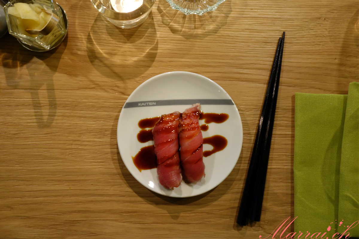 Thunfsich Nigiri in der Kaiten Sushi Bar in Zug